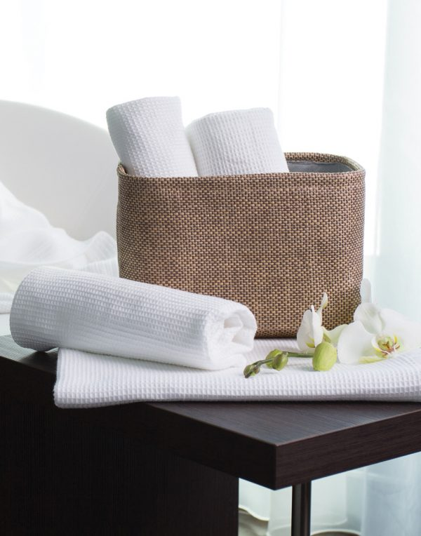 Constance Hand Towel in White 50x100 cm