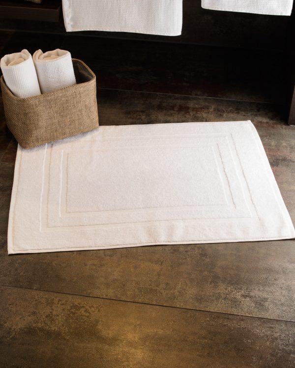 Tiber Bath Mat in White 50x70 cm